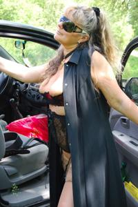 Старая секс бомба Анджела - фото #9