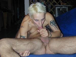 Секс с тощей татуированной блондинкой - фото #19