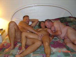 Три веселые подруги лесбиянки - фото #44