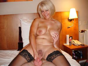 Зрелая блондинка Дана - фото #2
