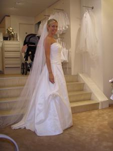 Роскошная женщина недавно вышла замуж - фото #18