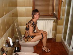 Худая с красивыми ножками - фото #5