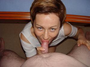 Показала жопу и удовлетворила мужа орально - фото #9