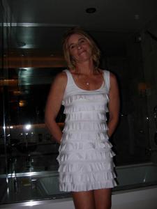 Суперская стройная милфа в нижнем белье - фото #18