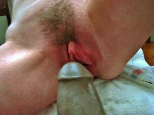 Худая милфа Анна сосет и трахается с дилдом - фото #48