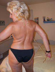 Стриптиз 50-летней блондинки - фото #11