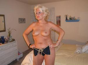Стриптиз 50-летней блондинки - фото #14