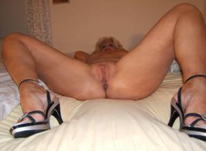 Стриптиз 50-летней блондинки - фото #18