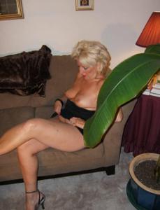 Стриптиз 50-летней блондинки - фото #23