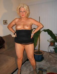 Стриптиз 50-летней блондинки - фото #26