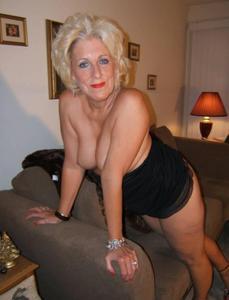 Стриптиз 50-летней блондинки - фото #28
