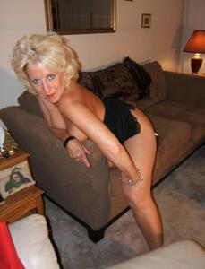 Стриптиз 50-летней блондинки - фото #30