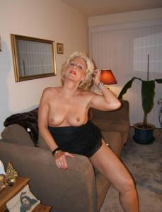 Стриптиз 50-летней блондинки - фото #34
