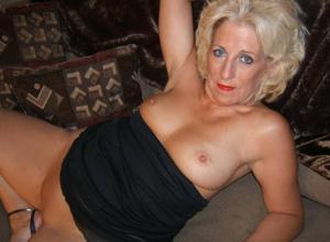Стриптиз 50-летней блондинки - фото #36