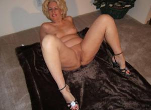 Стриптиз 50-летней блондинки - фото #5