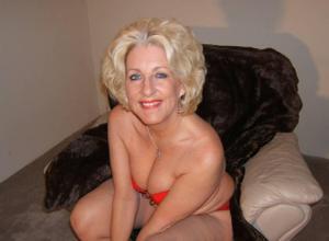 Стриптиз 50-летней блондинки - фото #7
