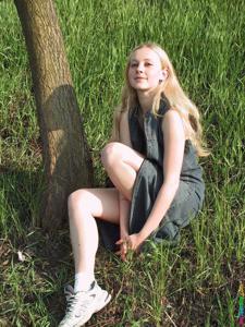 Ирена гуляет голышом - фото #19