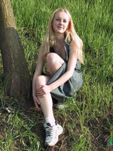 Ирена гуляет голышом - фото #20