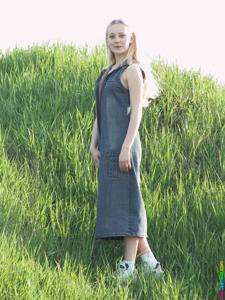 Ирена гуляет голышом - фото #33