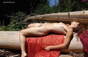 Посмотрите пару минут на фото голых девушек с дредами - фото #10