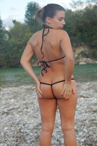 Испанка с интересным телом - фото #2