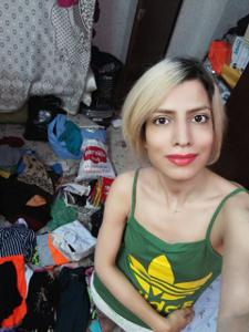 Девушка из Ирана спокойно сосет и ебется с двумя - фото #2