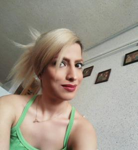 Девушка из Ирана спокойно сосет и ебется с двумя - фото #3
