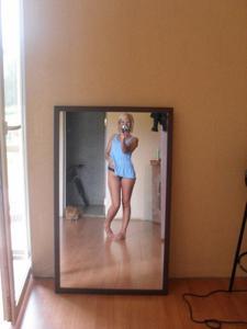Русская милфа с маленькими сиськами в поисках партнера - фото #12