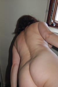 Зафиксировал голую жену на камеру - фото #1