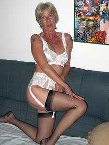 Худая пожилуха Рита - фото #15