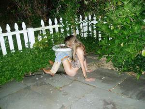 Уличный писсинг пьяных баб - фото #24