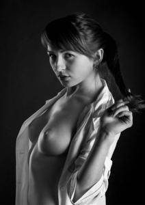 Фитоняшка Руслана с торчащими сосками - фото #9
