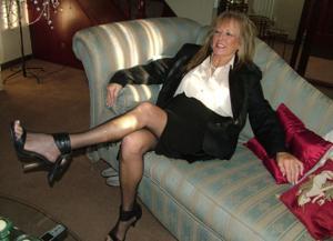 Новогодние зрелые женщины - фото #12