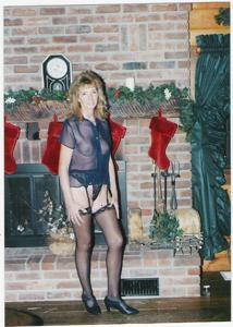 Новогодние зрелые женщины - фото #15
