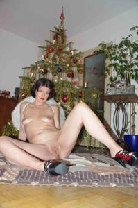 Новогодние зрелые женщины - фото #18