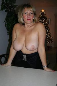 Новогодние зрелые женщины - фото #31