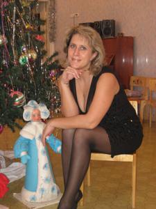 Новогодние зрелые женщины - фото #9