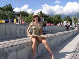 Летом, многие девушки трусики не носят - фото #10