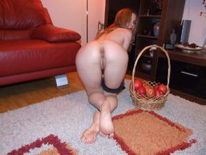 Мария может себе засунуть в киску хоть что наверное - фото #19