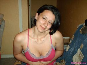Брюнетке нравится испытывать оргазм - фото #43