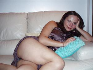 Мужик подрачивает сексуальной жене - фото #16