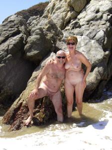 Счастливые похотливые заграничные пенсионеры - фото #10