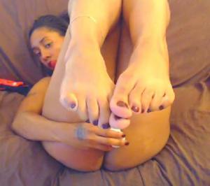 Ножки мастурбирующих