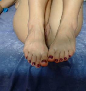 Ножки мастурбирующих - фото #26