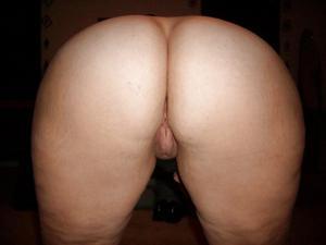Пухлая Кристи подрочила хуй ногами - фото #34