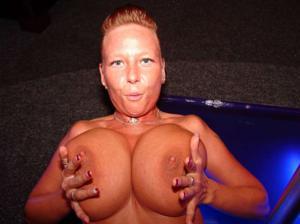 Какие то тетки с нереальными сисяндрами - фото #26