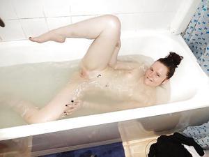 Откровенные фото молодой британки - фото #38