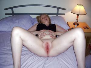 У рыжей женщины накопился не плохой архивчик порно - фото #37