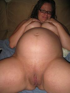 Подборка откровенных фото с голыми беременными девушками - фото #44