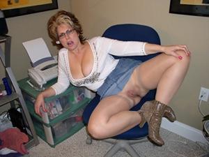 Крупные сиськи взрослой женщины - фото #1